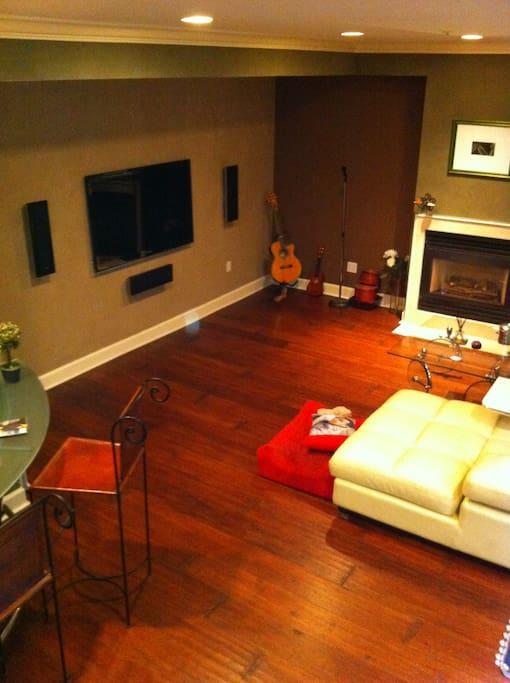 Luxury/Modern 2-story Condo