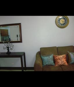 NEAR AIRPORT NEW CONDO WIFI - Pasay City - Apartment