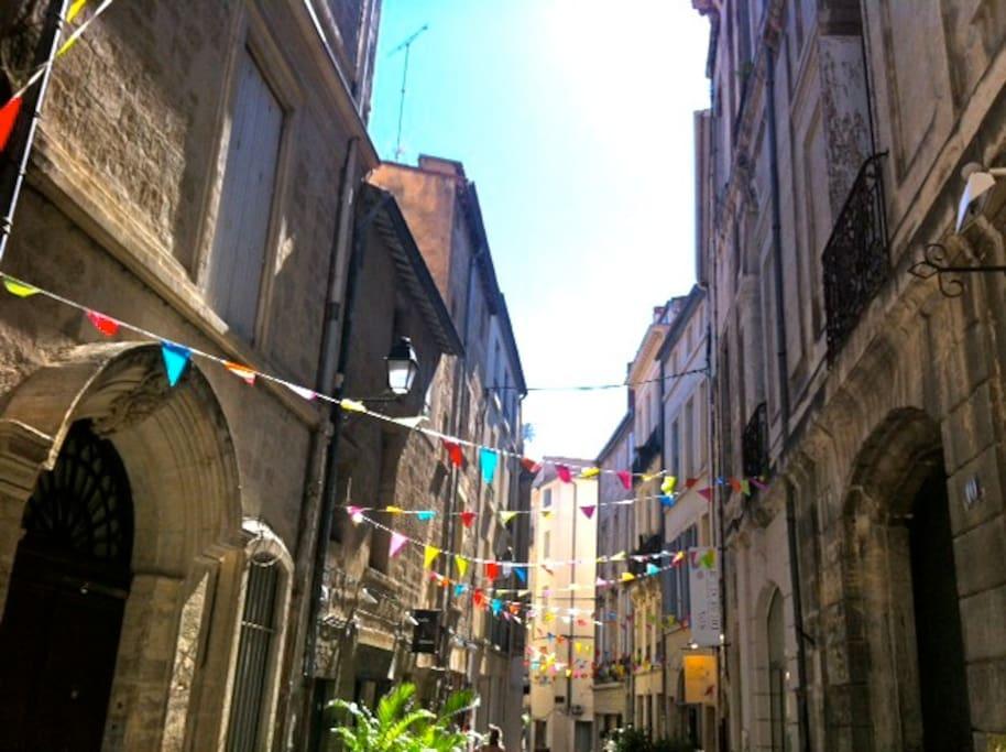 La rue Saint Firmin dans ses habits d'été