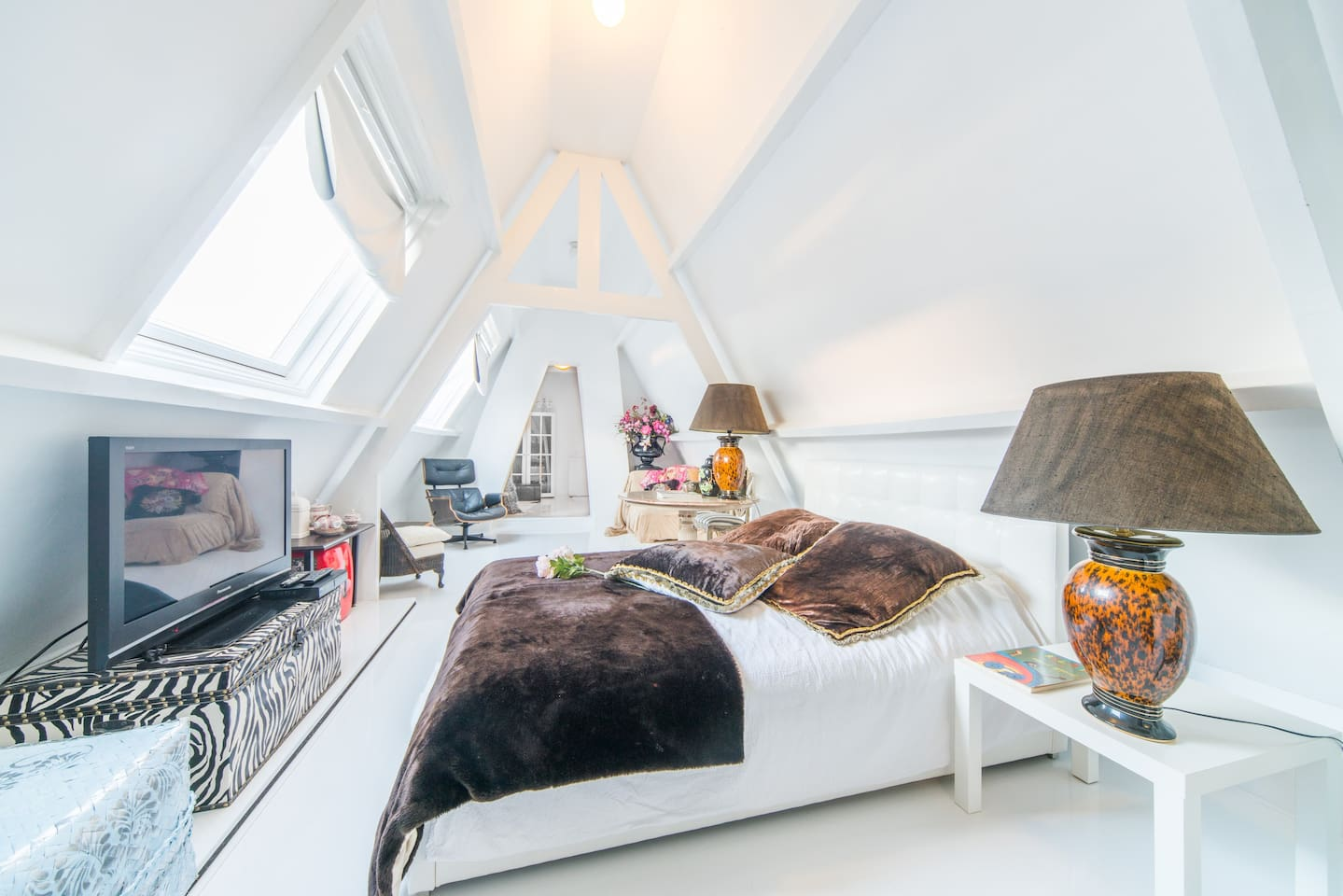 Top 20 Bed and Breakfasts Hilversum: Inns and B&Bs - Airbnb ...