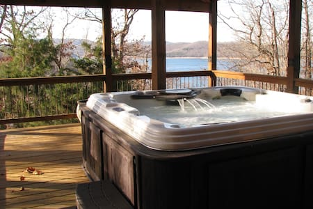 Hot tub! Lake view! Adventures of every kind! - Eureka Springs - Ház