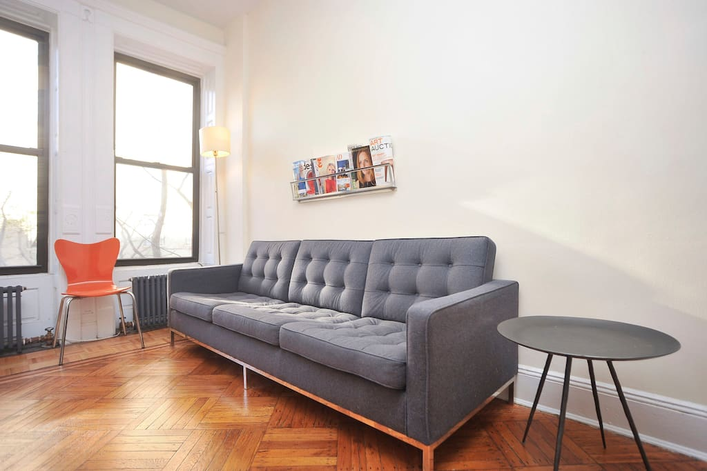 Sunny, Large 1 Bedroom Apartment