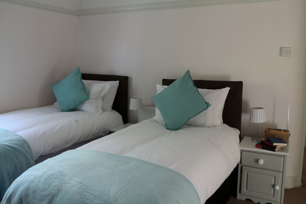 Front bedroom made up with twin beds (can be made into one superking if preferred