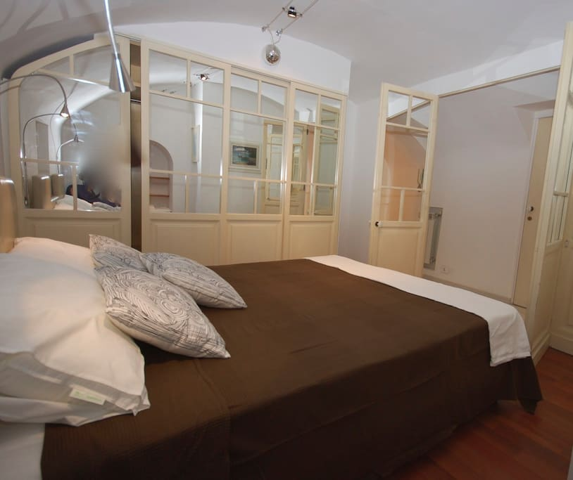 King size bedroom in the Navona View apartment