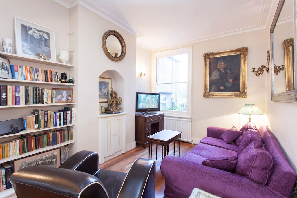 Double sitting room with working fireplace