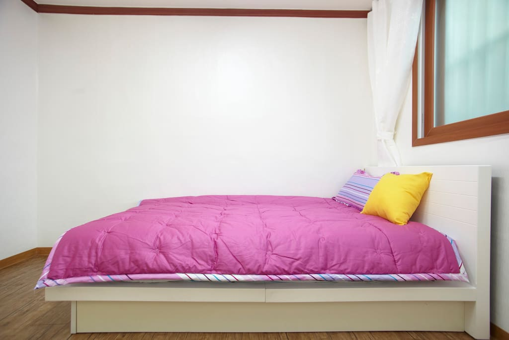 Single Room 2min from Itaewon Metro