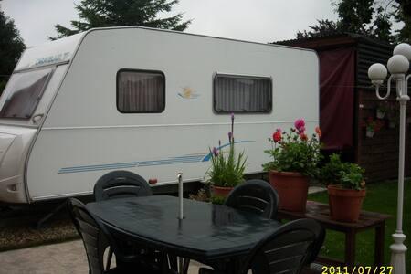 Our own caravan, in our garden - Wohnwagen/Wohnmobil