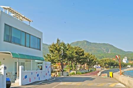남해달품게스트하우스(트윈룸) - Nam-myeon, Namhae-gun - Bed & Breakfast