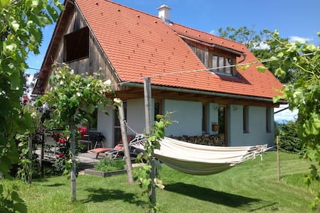 PURESLeben Winzerhaus Tunauberg - Ház