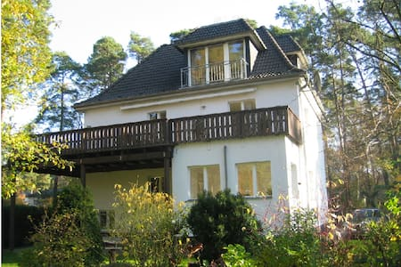 """Luxus-Apartment """"Fontane"""" in Villa - Schönwalde-Glien - Villa"""