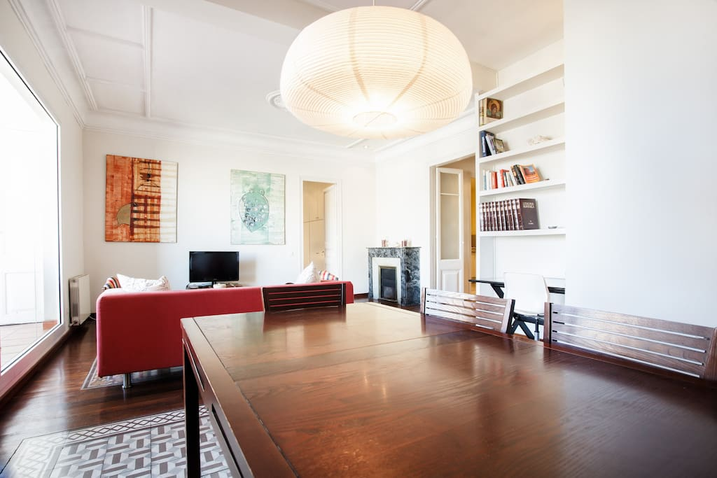 Big beautiful apartment in Gracia