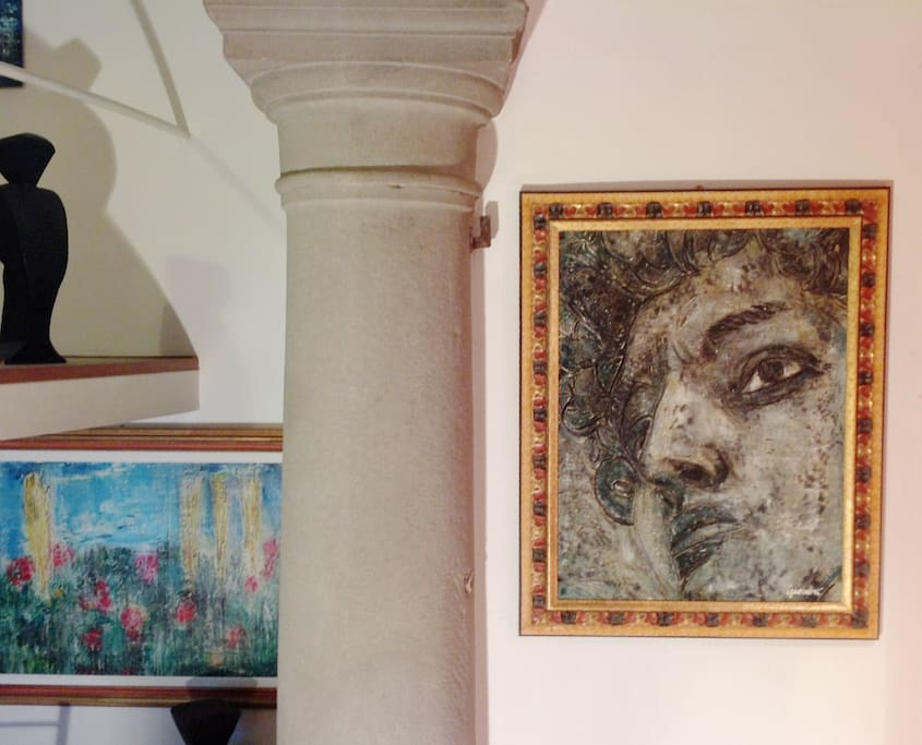 Stone column and fresco painting of David