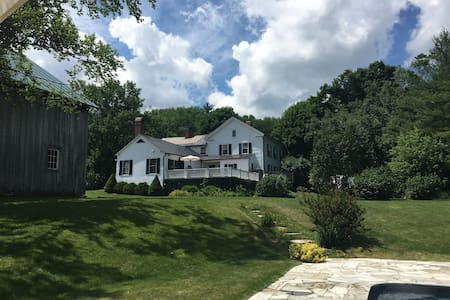 Historic Vermont Farmhouse with Modern Amenities - Dorset