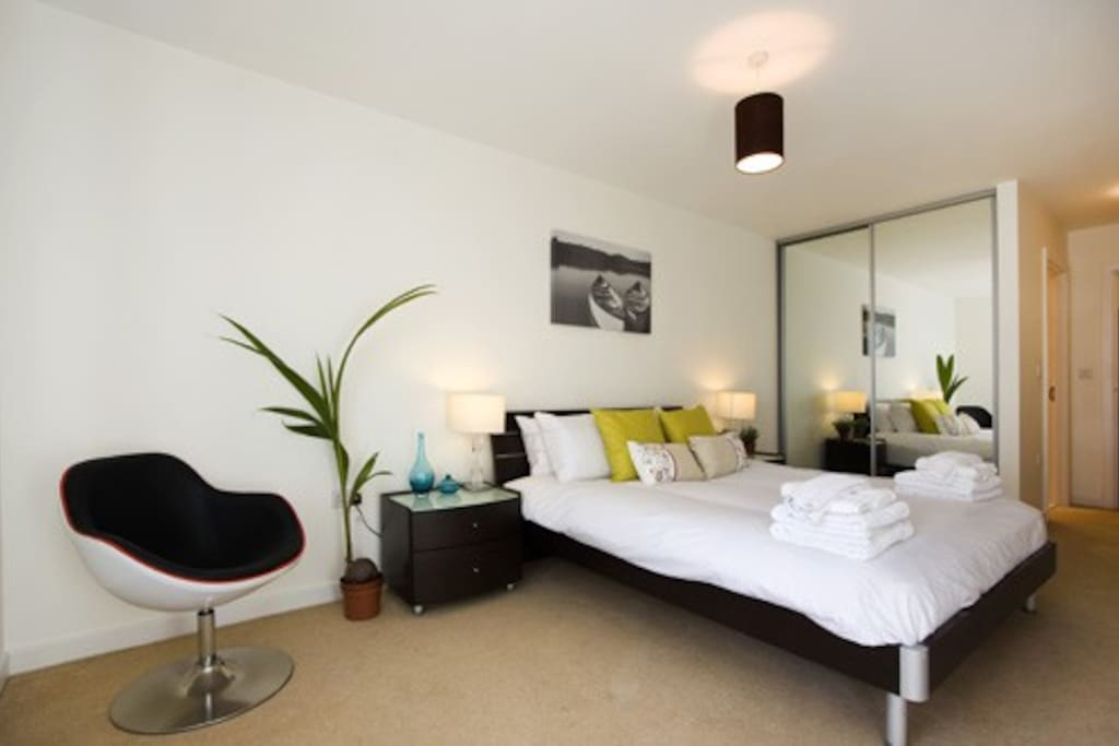 Commercial Road 2 Bed Apts-I