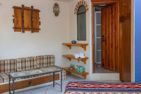 """Hermosa Suite con balcon"" - Tepoztlán"