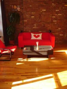 Private Studio in Little Italy/Soho