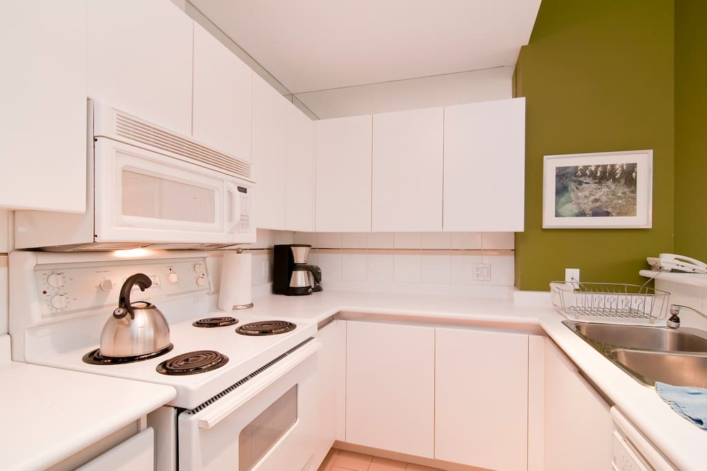 Full kitchen, with small appliances and utensils, if you feel like cooking.