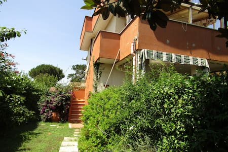 Cosy house in Lido dei Pini, near Anzio and Rome - Casa