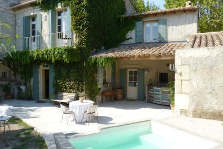 House Provencal of the 18th, swimming pool-Spa - Vallabrègues