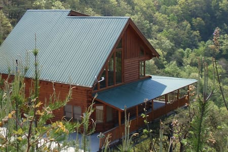 Beautiful cabin with amazing views - Sevierville - Cabanya