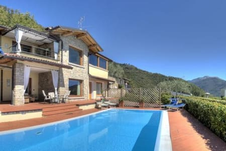 Deluxe detached villa, private pool and lake view - Villanuova sul Clisi