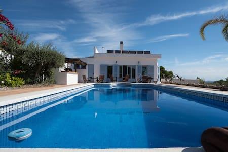 Luxury Bedroom with En-Suite and Shared Spaces - El Perelló - Bed & Breakfast