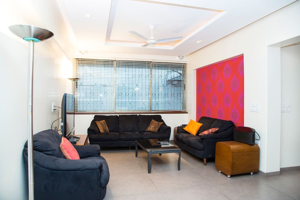 A cozy one bed apartment @ Bandra !