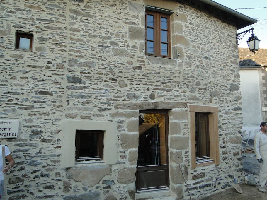 maison rénovée dans cité médiévale