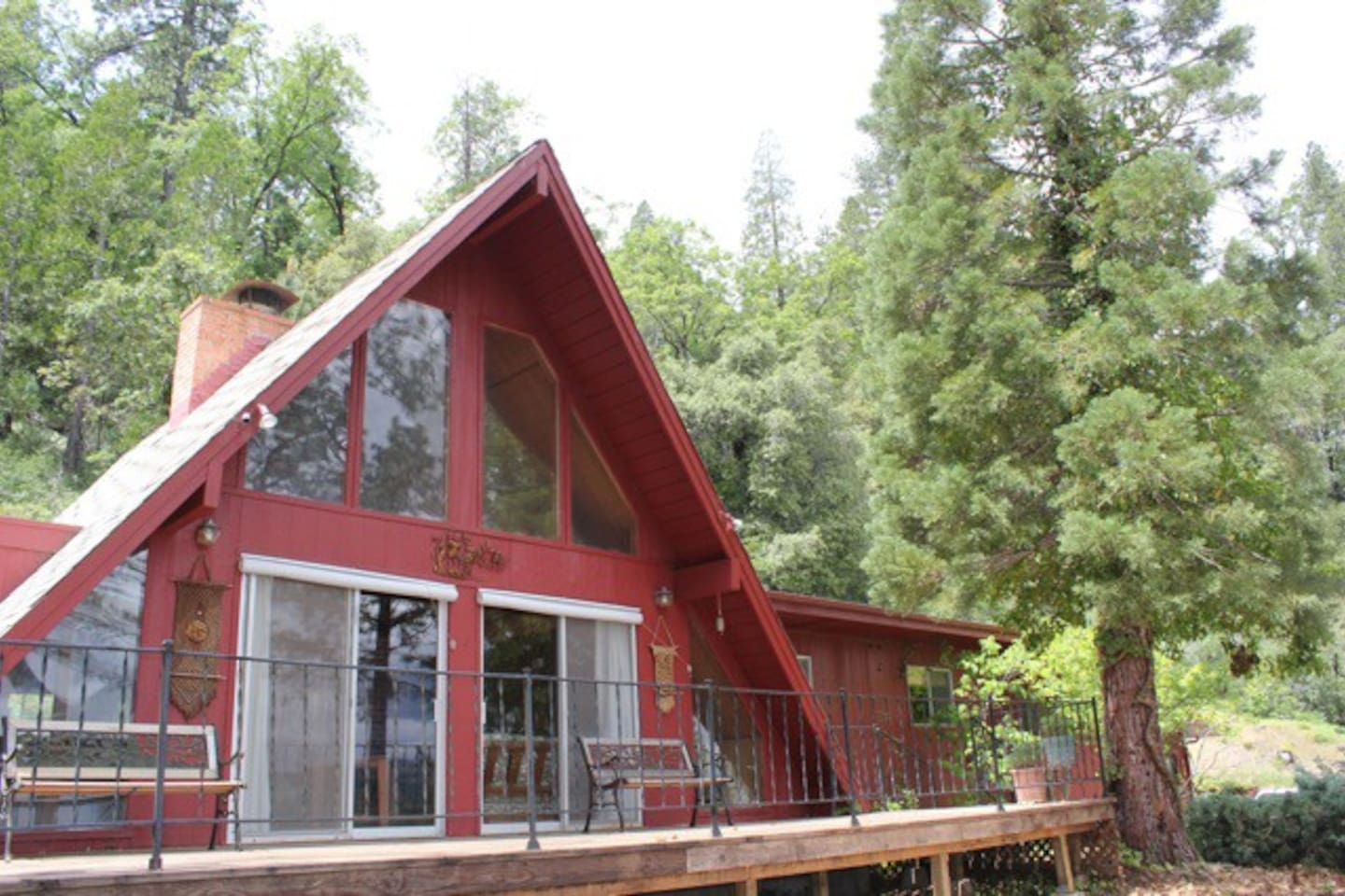 Front of Owl Lodge Overlooking Tahoe National Forest