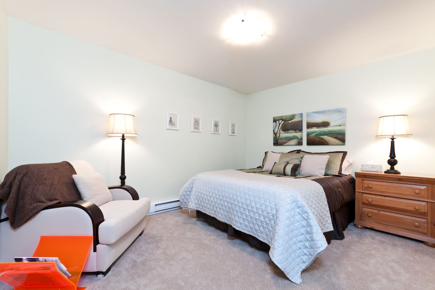 All the comforts of home are here for your stay in this queen bed, private ensuite accomodation