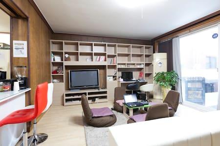 Ultari House #2 -The Gallery dorm