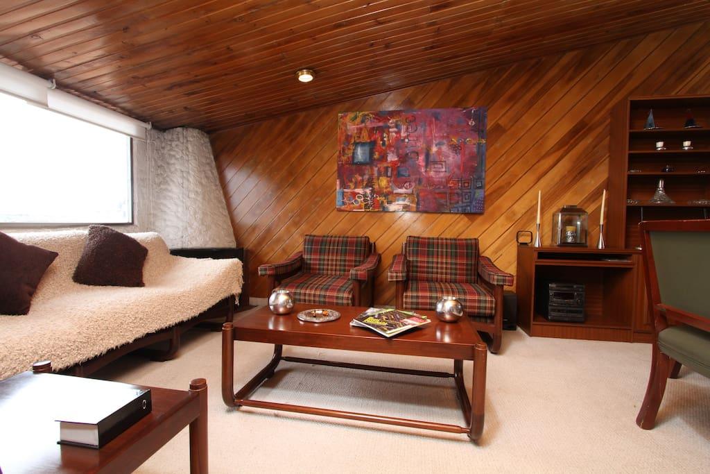 Beautiful Rustic Cozy BOG Apartment