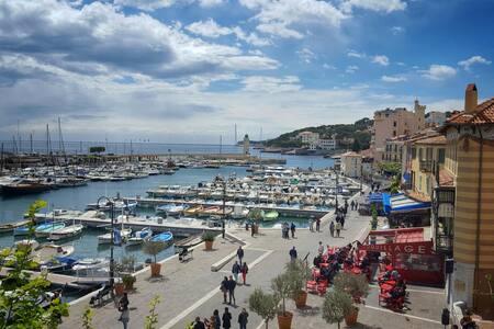 Appt sur port, vue panoramique - Cassis - Apartment