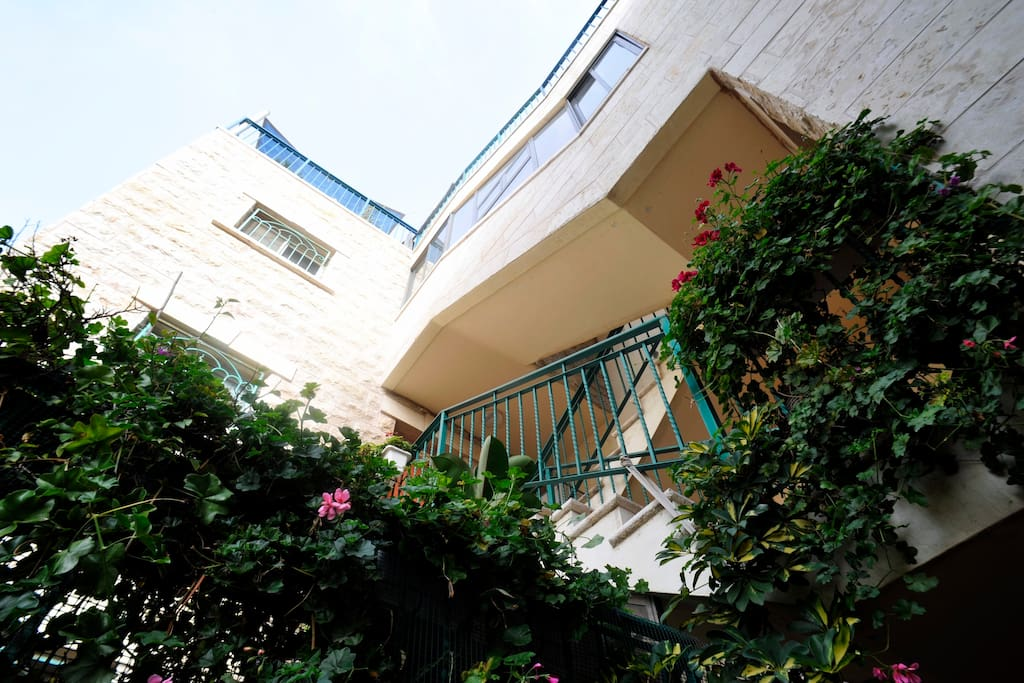 a nice studio in Jerusalem center