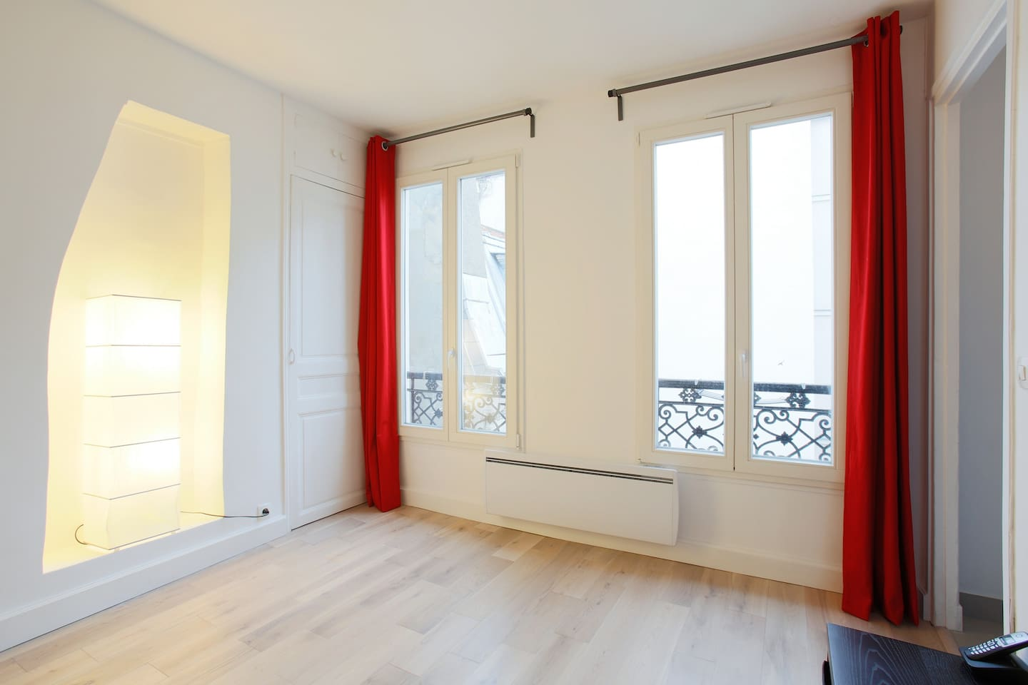 Bedroom : 2 big windows for more sunlight. A big heater between the 2 windows for a warm winter.