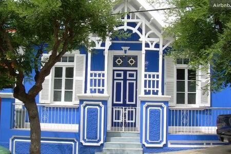 Valparaíso Guest House B&B (Room 2)