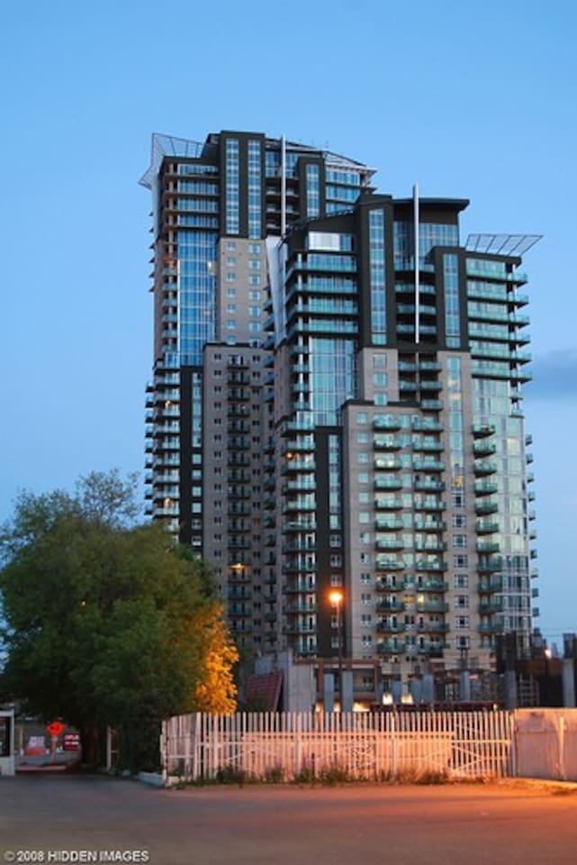 New downtown apartment located right by Stampede ground, BMO, Saddle dome & train station