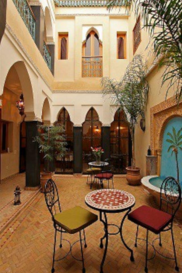 patio ,calme et frais
