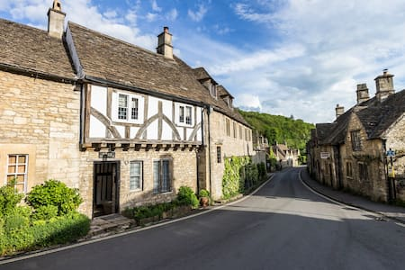 Luxury Cotswolds home, Castle Combe - Castle Combe - House