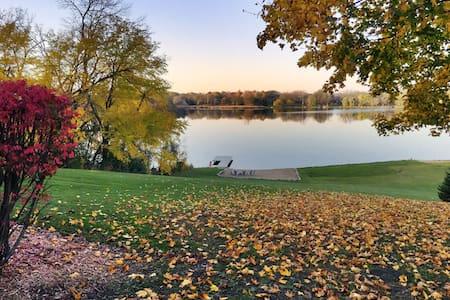 Remodeled Lake House on 4 acres - Ingleside - Ház