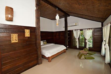 Chai Lai Riverview Elephant Room