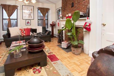 1 room rental. Come Home to Luxury! - Lägenhet