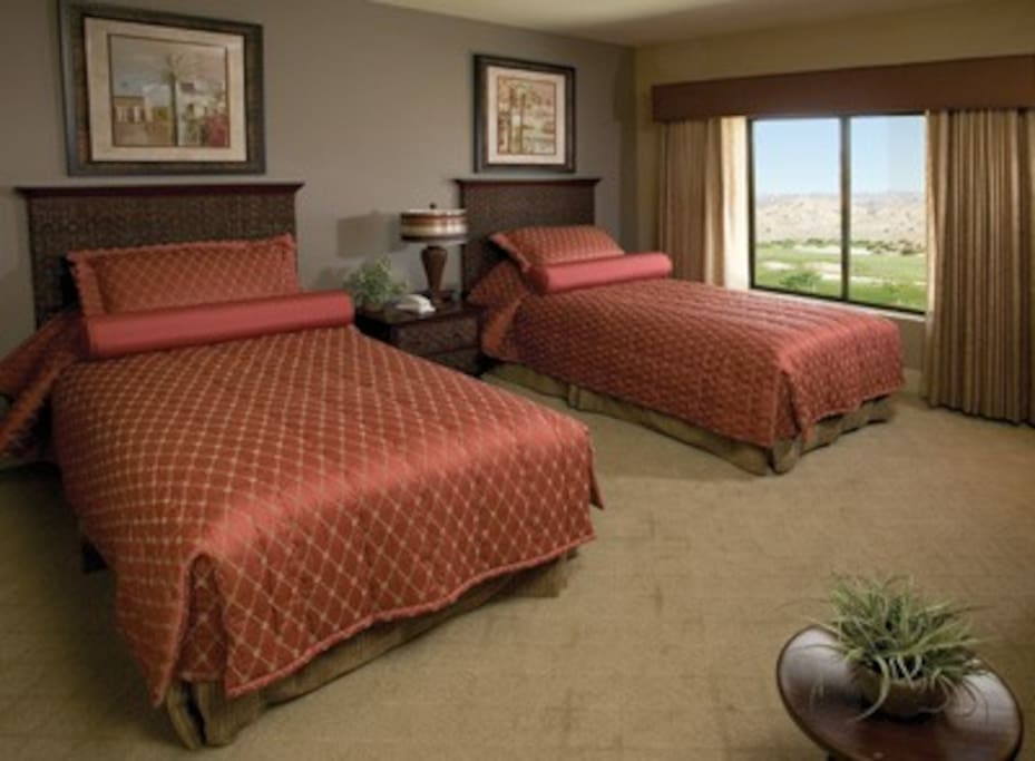 2-Bedroom Timeshare in Indio. Spa!