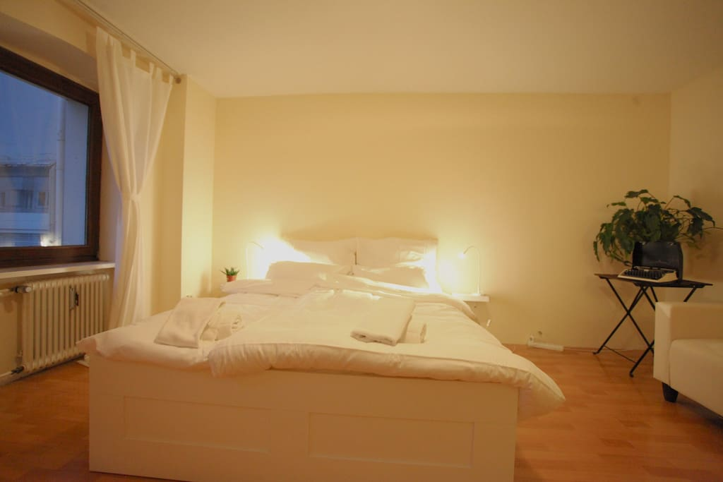 Bed linnen and towels are provided by cleaning service Apoio