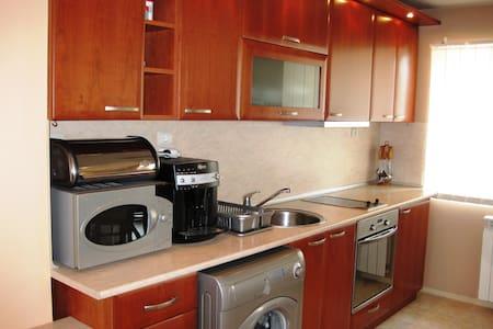 Квартира в 100 м от знаменитого парка и интеротеля - Sandanski