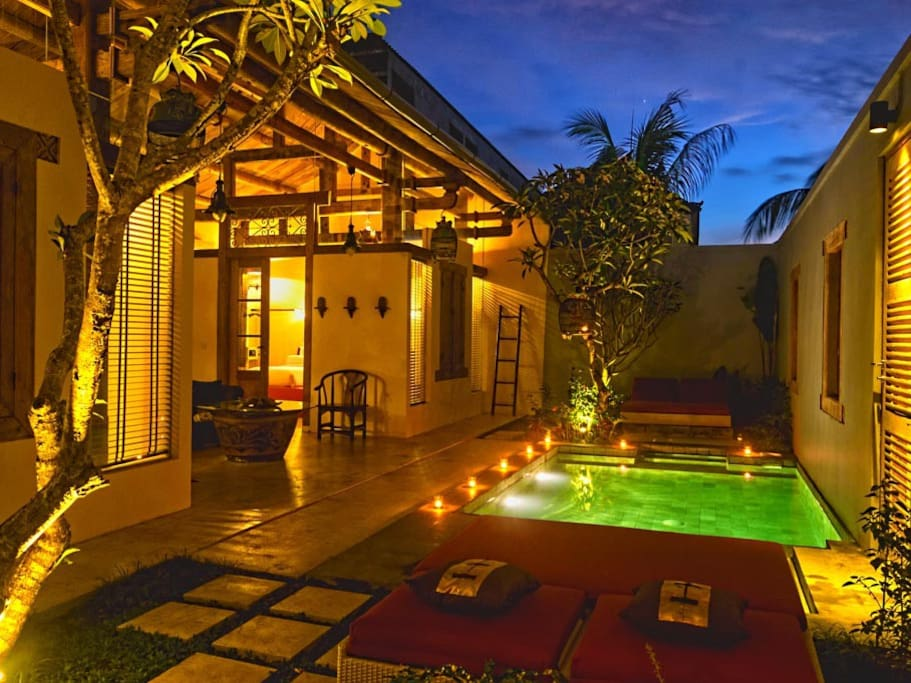 Shikumen Villa has 2 bedrooms with private swimming pool and interconnecting door with Shikumen Suite to create a 3 bedroom villa.
