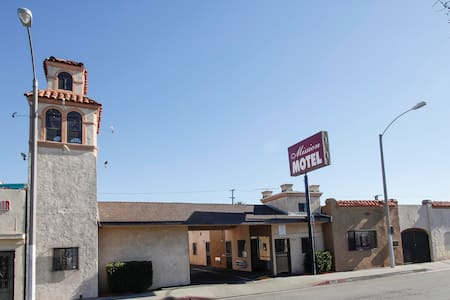 Motel fully furnished, $350 week - Lynwood - Apartemen