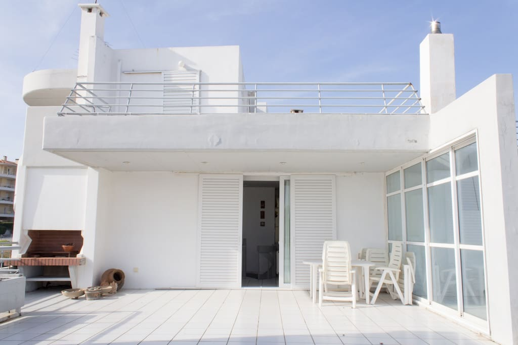 Sea shore apartment in Rafina