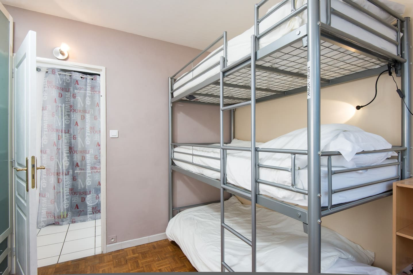 hostel price, flat comfort, metro
