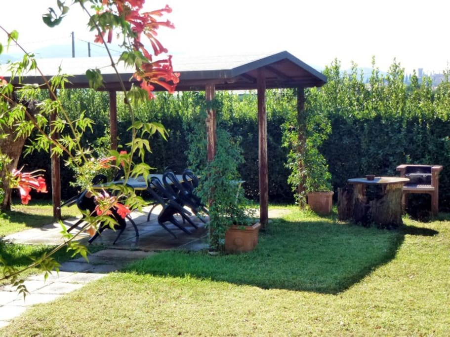 il gazebo privato con barbecue
